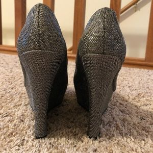 BAMBOO Shoes - ✨Silver/Gray Sparkly Glitter Wedge Platform Heels✨